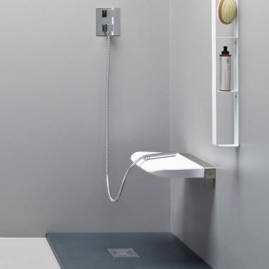 Sedile doccia di design ribaltabile in poliuretano morbido di EVER Life Design