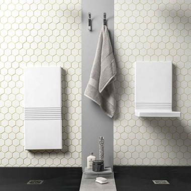 Sedile doccia a parete con schienale di EVER Life Design in poliuretano morbido collezione TUCK TYPE