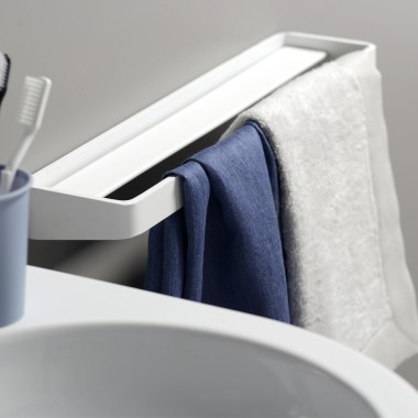 Towel holder with shelf cm...